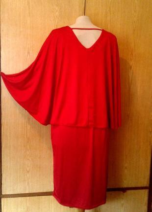 Красное алое катоновое платье с пелериной по спинке,3хl.