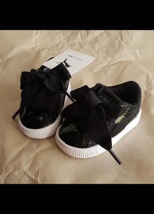Детские кроссовки сникерсы лаковые puma basket heart patent ps