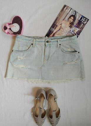 Актуальная джинсовая голубая мини юбка