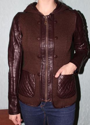 Шерстяная куртка с рукавами и вставками с экокожи.