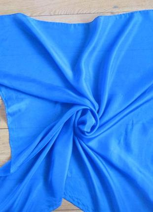 Очень красивый шелковый платочек ручной работы