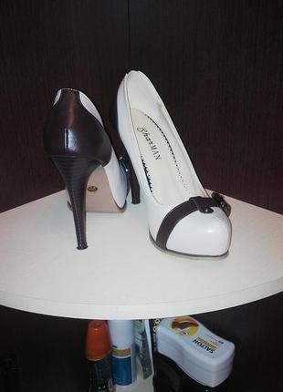 Интересные туфельки и на мероприятие и в офис