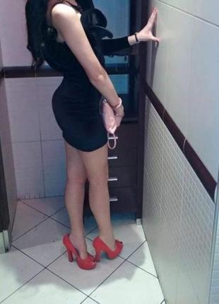 Нереальное бархатное платье с объёмным верхом
