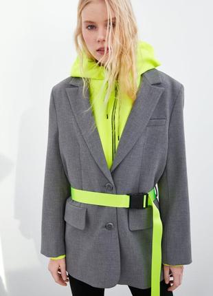 Пиджак oversize zara оригинал серый ретро с неоновым поясом ремнём