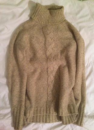 Теплый и комфортный свитер