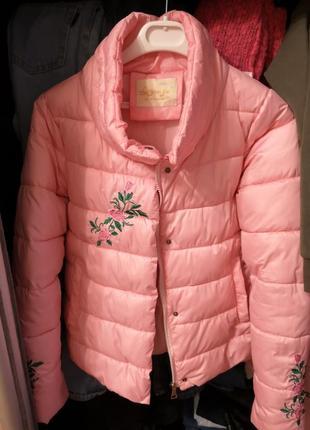 Курточка с вышивкой