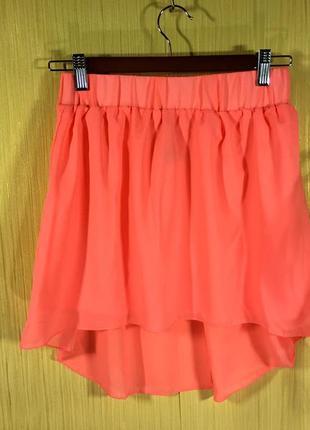 Легкая розовая юбочка с удлиненным шлейфом terranova