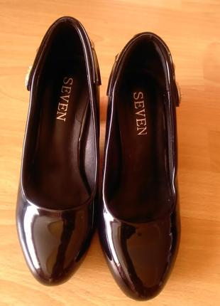 Лаковые туфли 37р