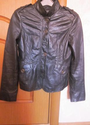 Классная кожаная курточка massimo dutt размер m. дорогой бренд