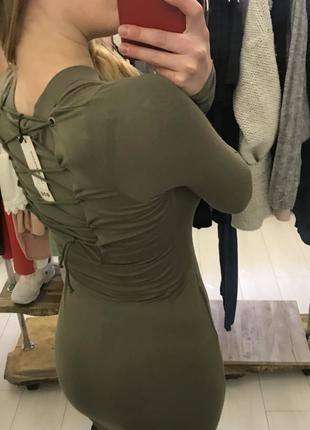 Красивое облегающее платье цвета хаки новое на шнуровке мили сексуальное