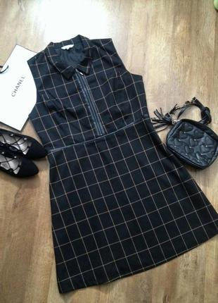 Классическое платье с кожаными вставками