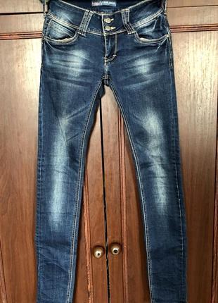 Джинсы/ штаны / джинсовые штаны