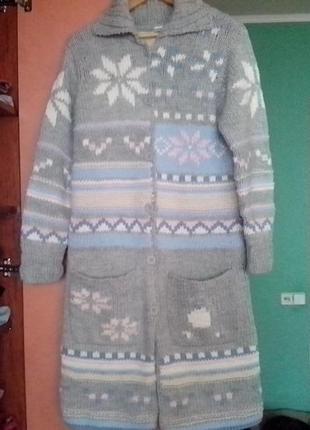 Фирменное длинное вязаное пальто