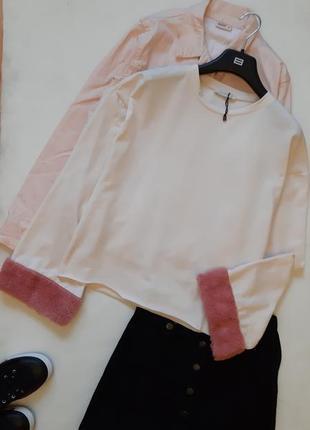 Стильный свитшот с мехом, толстовка с мехом на рукавах
