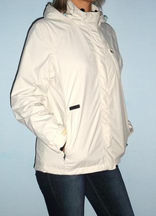 Весенняя куртка  цвета слоновой кости, р.l