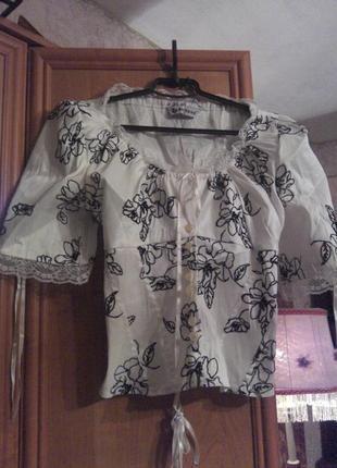 Красивая блуза-корсет