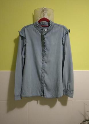 Джинсовая рубашка с воланами mango
