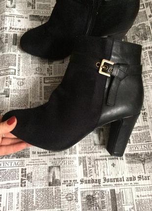 Шикарные ботинки esmara