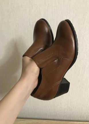 Ботинки кожаные коричневые на среднем каблуке 23,5 см 36 37
