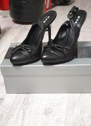 Туфли лодочки с открытой пяточкой кожаные кожа2 фото