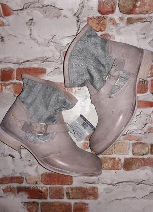 Фирменные ботинки. эксклюзив. полностью кожа