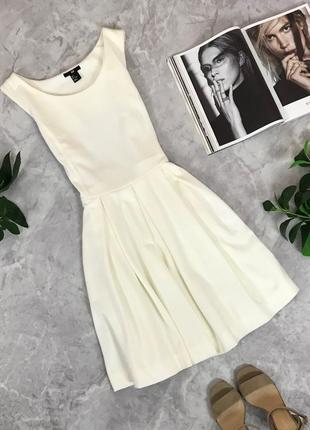 Красивое платье с летящей юбкой  dr1909101  h&m