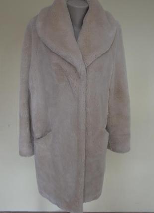 Шикарная модная брендовая шуба иск.мех,свободного фасона,бежевого цвета