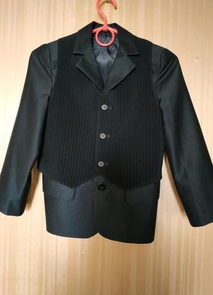 Костюм брюки пиджак,форма школьная.