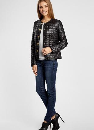 Женская черная стеганая куртка