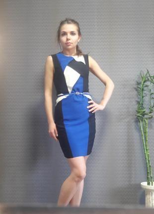 Платье черно-сине-белое