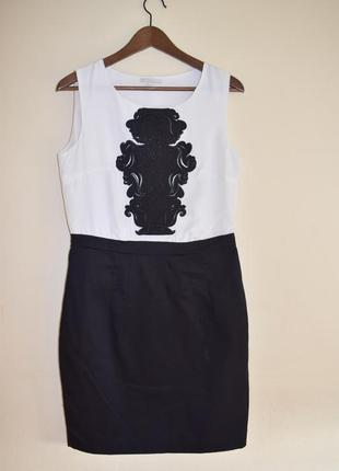 Красивое черно-белое летнее платье