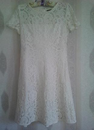 Платье кружевное нарядное на 12-14 лет