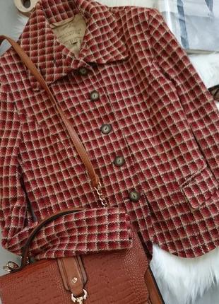 Актуальный винтажный шерстяной пиджак.