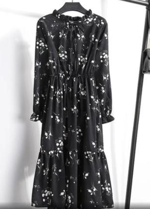 Чёрное платье миди цветочный принт