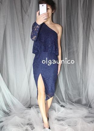 Оригинальное кружевное миди платье