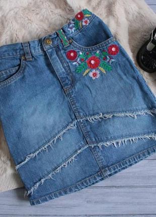 Трендовая джинсовая юбка с высокой посадкой