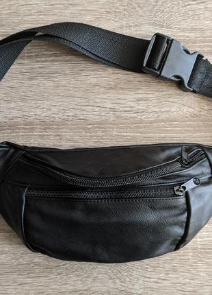 Большая бананка из натуральной кожи, сумка на пояс вместитетльная матовая черная кожа