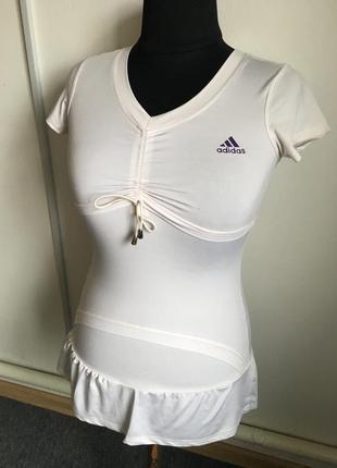 Стильное коротенькое платьеце для спорта