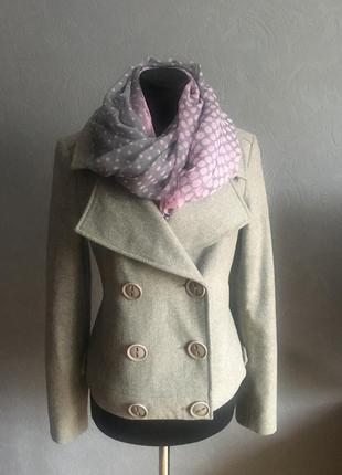 Пальто для прекрасных девушек + шифоновый нежный шарф ( в подарок)