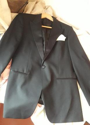 Вечерний праздничный пиджак hugo boss оригинал