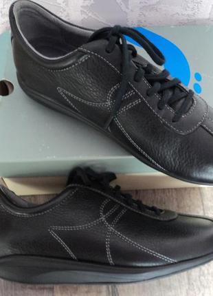 Новые в коробке туфли  тз сша softwalk,