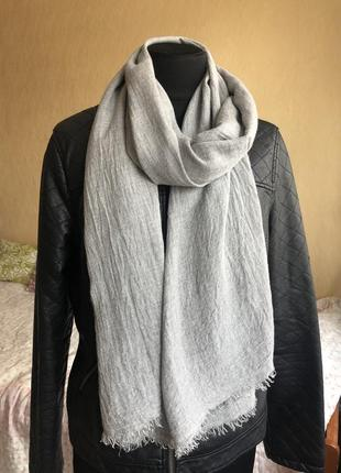 Мужской серый шарф zara