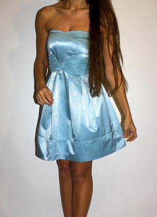 Голубое платье с пышной юбкой , дорогой фирмы !