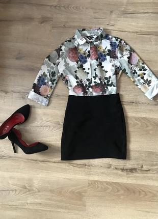 Блузка з актуальним принтом
