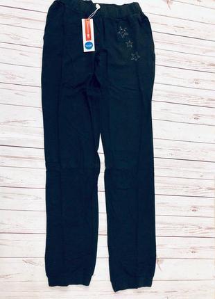1. черные спортивные штаны для девочки