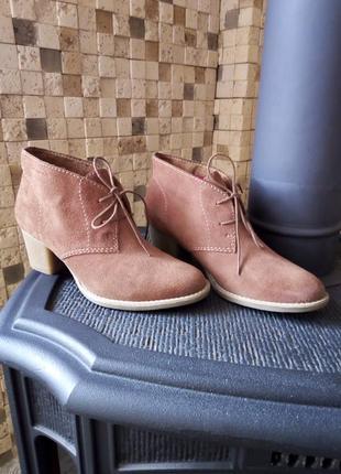 Замшевые идеальные классические ботинки tamaris размер 40