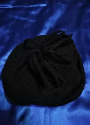 Итальянская шерстяная шапочка с отворотом.