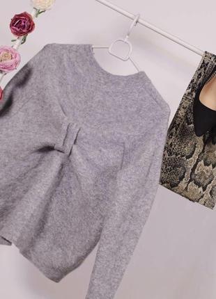 Красивий светерок з бантом ззаду від коханого cos