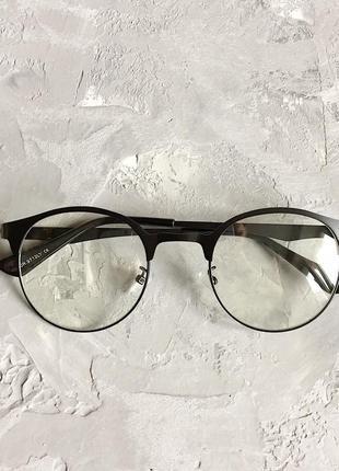 Имиджевые очки с металлической черной оправой
