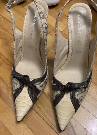 Туфли с открытой пяткой и острым носком carlo pazolini